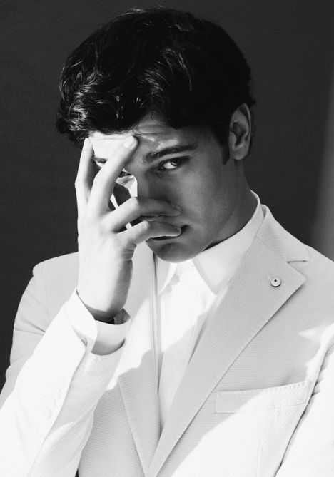 All white Çitoo ! Cagatay Ulusoy - GQ