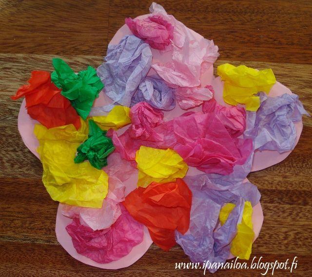 askartelua: äitienpäivä, helppo kortti, kukka crafts: Mother's Day, an easy card, flower hantverk: mors dag, en enkel kort, blomma http://ipanaaskartelua.blogspot.fi/2013/05/helppo-aitienpaivakortti.html