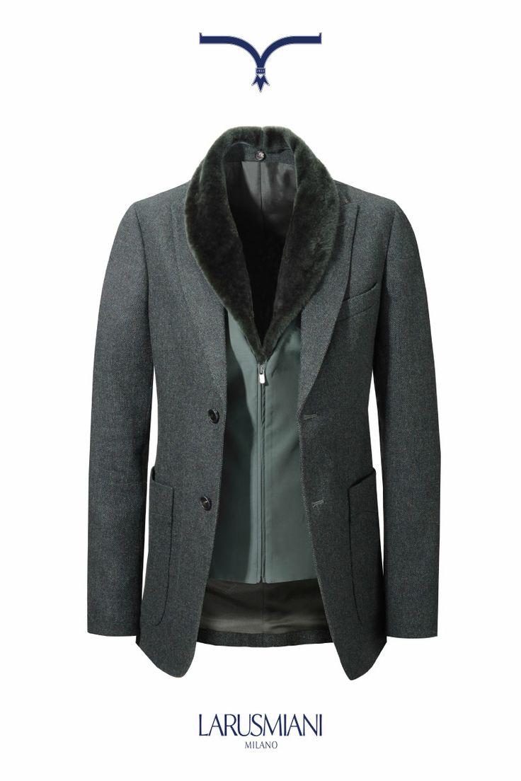 Jacket with shearling collar  #musthave #luxuryclothing #milan #viamontenapoleone #italianstyle www.larusmiani.it