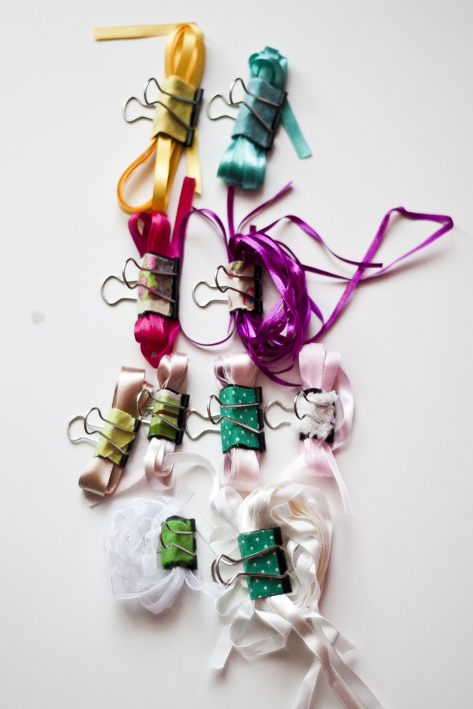 great idea for your ribbons :)