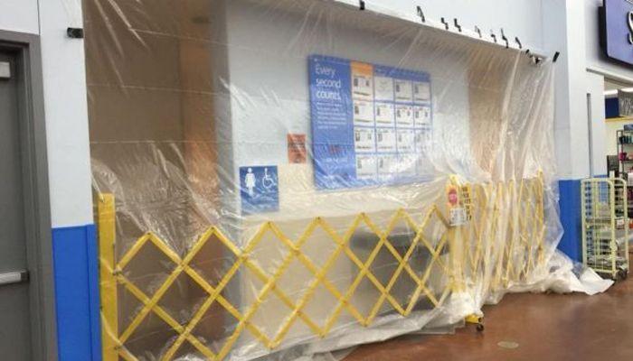 Encuentran 'narcolaboratorio' en baño de tienda de autoservicio en EU