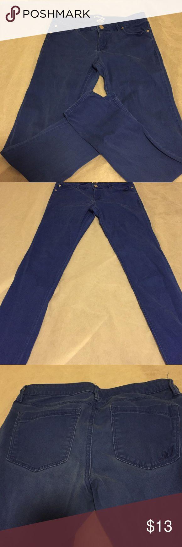 Express, electric blue jean leggings Express, electric blue, Jean legging. Soft extreme stretch material. Natural fading from washing. Express Pants Leggings