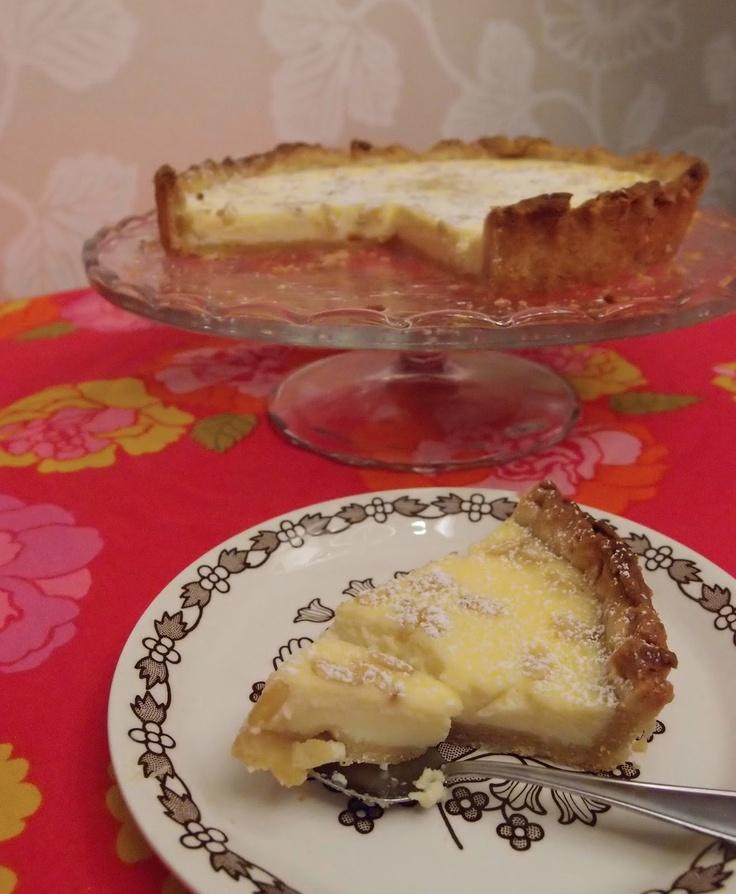 Torta della nonna and granny's birdplates