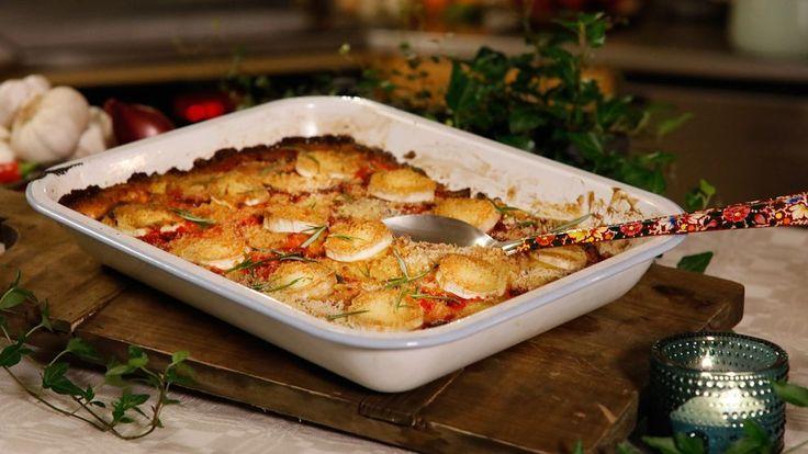 En färgglad, vegetarisk variant av Janssons frestelse. Den som vill kryddar upp med vitlök och byter ut panko mot mandel eller nötter. Kapris ger härlig sälta, men du kan även använda marinerade soltorkade tomater, oliver, syltlök eller rostad, hackad mandel.