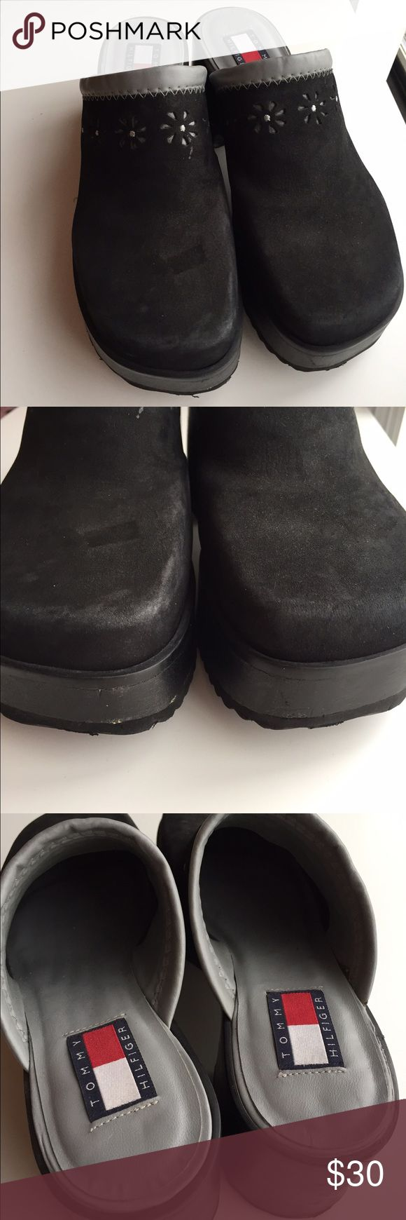 """Tommy Hilfiger black clogs mules size 9 Gently used Tommy Hilfiger black clogs mules size 9. 3"""" heel Tommy Hilfiger Shoes Mules & Clogs"""