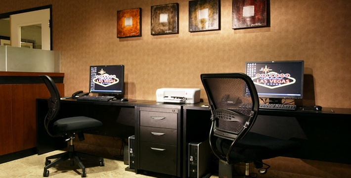 The Carriage House Las Vegas: An All Suite Las Vegas Hotel - RCI (+ upgrade) - Family Vacation 2014 (Spring or Fall)