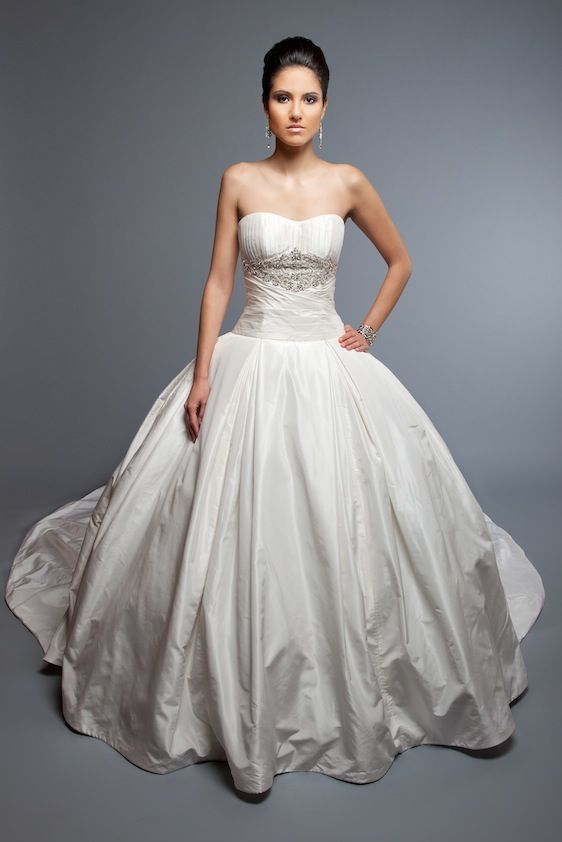 Bridal Gowns: Angel Rivera Princess/Ball Gown Wedding Dress with Sweetheart Neckline and Natural Waist Waistline