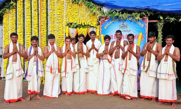 Tapeswaram Laddu travelled to Telangana with love n devotion - read complete story click here.....  http://www.thehansindia.com/posts/index/2014-08-28/Tapeswaram-Laddu-travelled-to-Telangana-with-love-n-devotion--106260