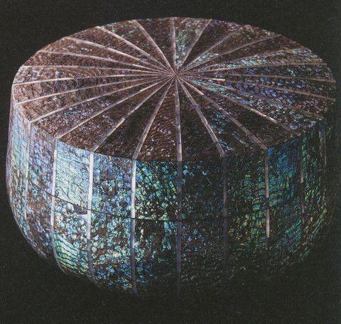 黒田辰秋 - 乾漆耀貝螺鈿喰篭(1974年)