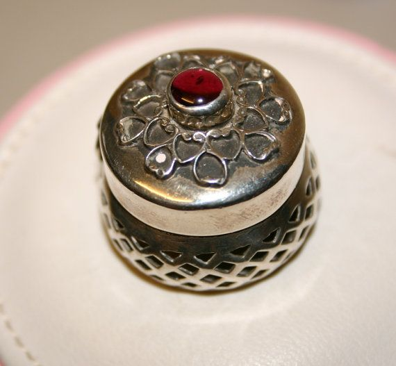 Vintage Mexican Sterling Silver (925) Small Pill Box