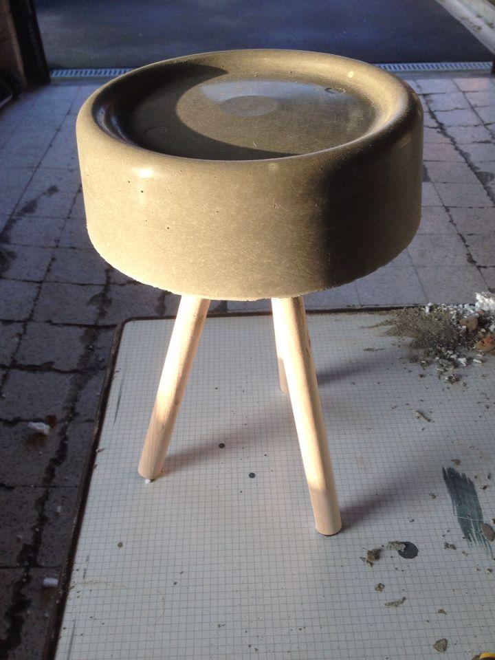 Salontafeltje beton