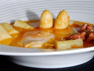 Receta | Espárragos naturales con huevos escalfados - canalcocina.es  Programa nuestra Huerta. Proyecto Gastronomía de la Ribera de Navarra.