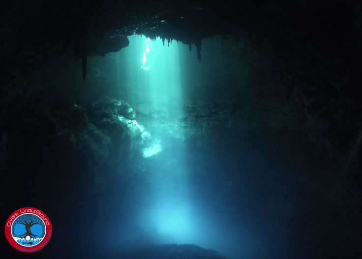 Cavern Diving in Cenote The Pit