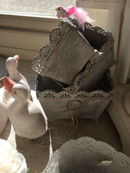 rideaux : coquecigrues, Blanc Mariclo, cantonnières : Trousseau d ...