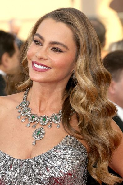 Sofia Vergara's Waterfall Curls - Haute Hairstyles for Women Over 40 - Photos