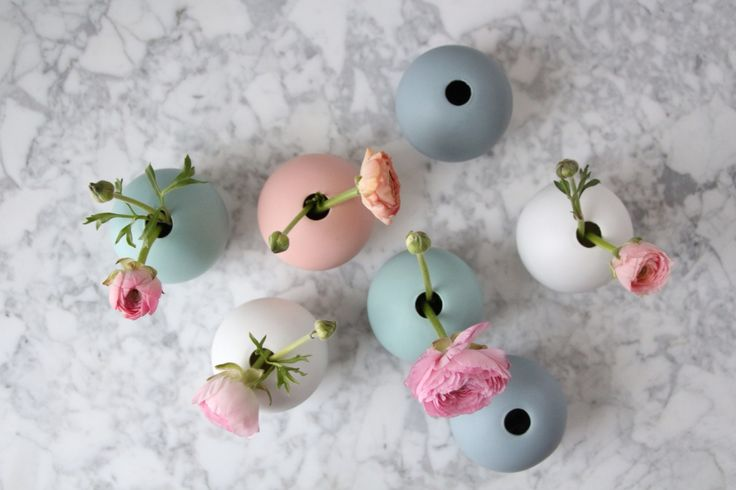 Bowl vases in ceramic from Swedish Cooee design. Photo: Catrine Åberg