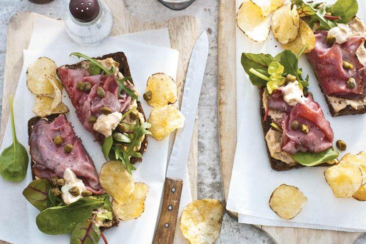 Kijk wat een lekker recept ik heb gevonden op Allerhande! Open sandwich rosbief-tonijn