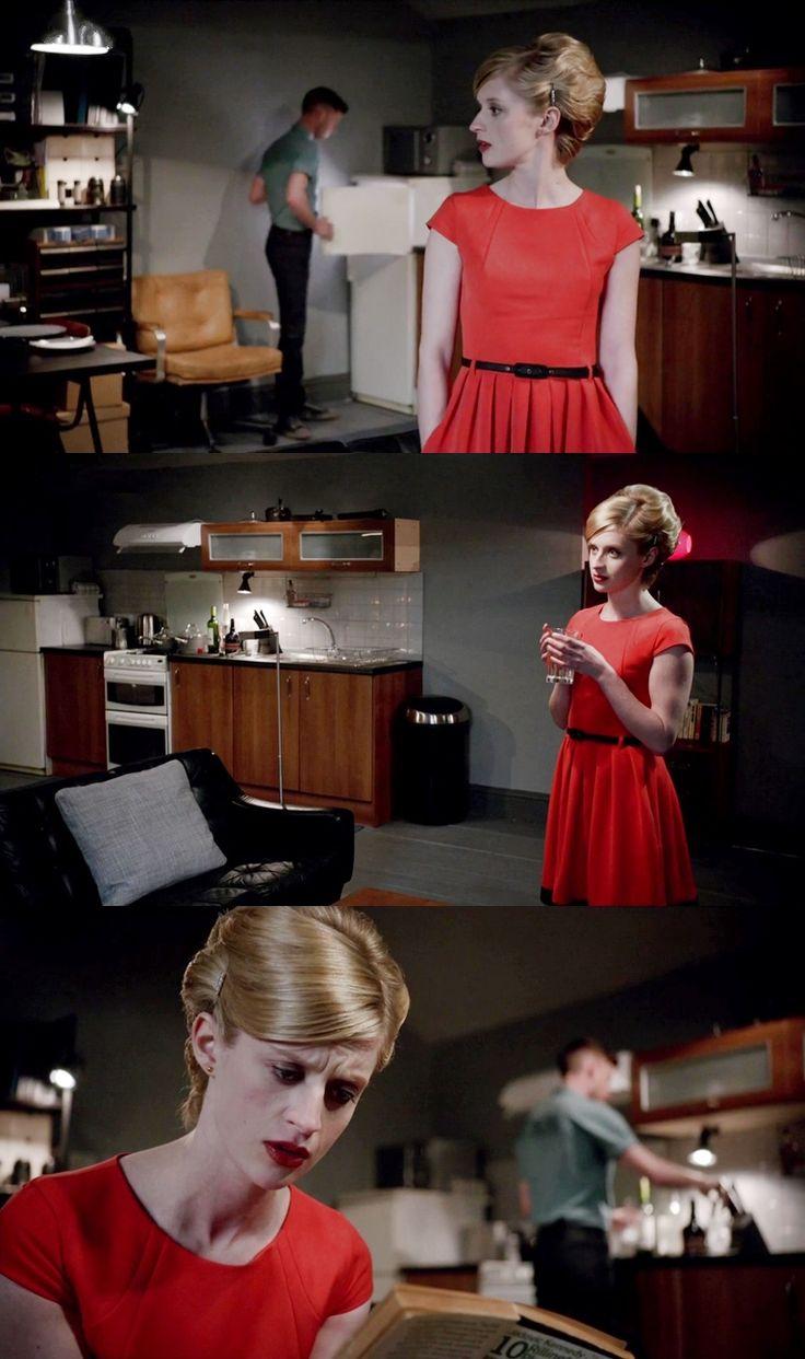 13 Steps Down (2012) Красное платье весьма уместно для страстного свидания. Только, увы, для Данилы оно закончится весьма трагично.. А вот нечего связываться с психопатом, да и злить его к тому же, высмеивая объект его страсти.
