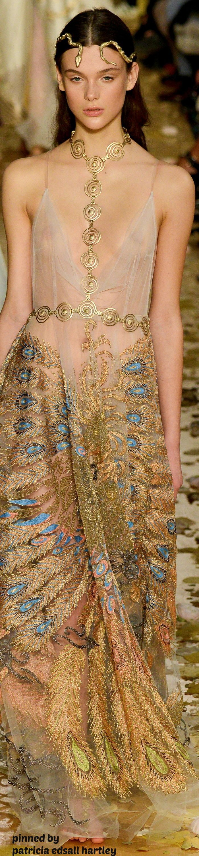 VALENTINO SPRING COUTURE 2016 FASHION SHOW. Neckpiece looks inspired by Art Smith.