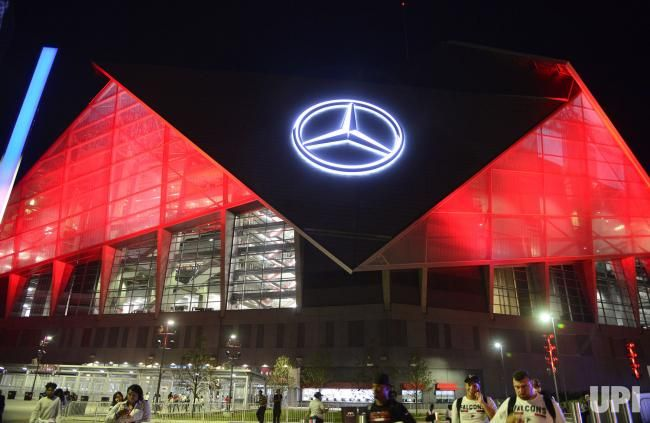 The new Mercedes Benz Stadium is lit up at night following the Atlanta Falcons and Green Bay Packers game in Atlanta, September 18, 2017.…