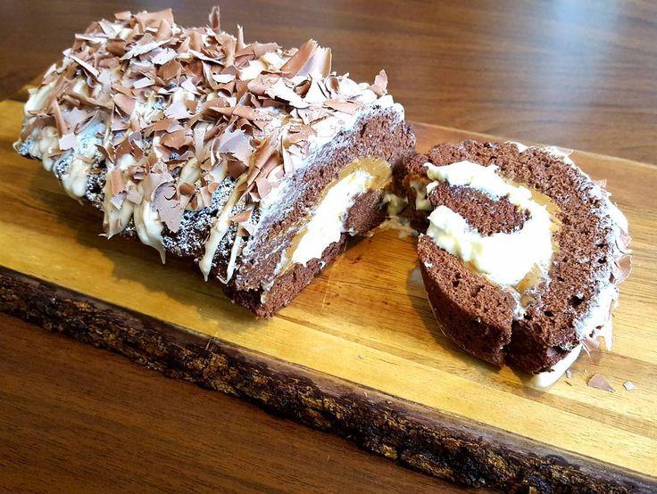 Banoffee Swiss Roll anyone? http://thefatfoodie.co.uk/2016/10/05/banoffee-swiss-roll/ #thefatfoodie #GBBO #bakeoff #bakealong #extraslice #swissroll #banoffee #cake #cakes #baking