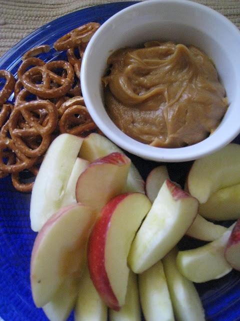 Creamy Peanut Butter Dip | Yummy!! | Pinterest