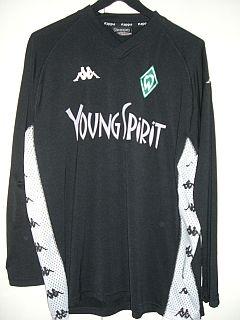Saison 03/04 - Aufwärmshirt von Johann Micoud. Wäre auch ein schönes Trikot geworden...