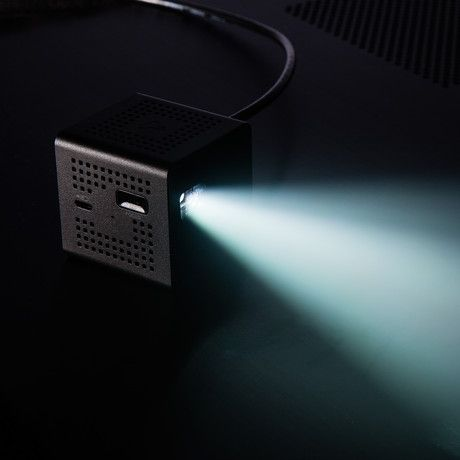 IC200B PICO Projector by INNOIO - The HD Mini-Projector