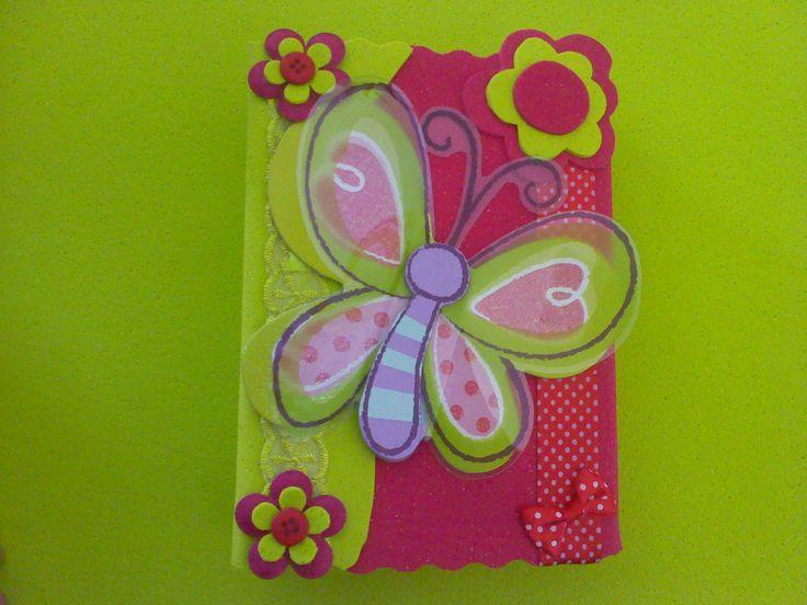 Cadernos Decorados - http://www.comofazer.org/faca-voce-mesmo/cadernos-decorados/