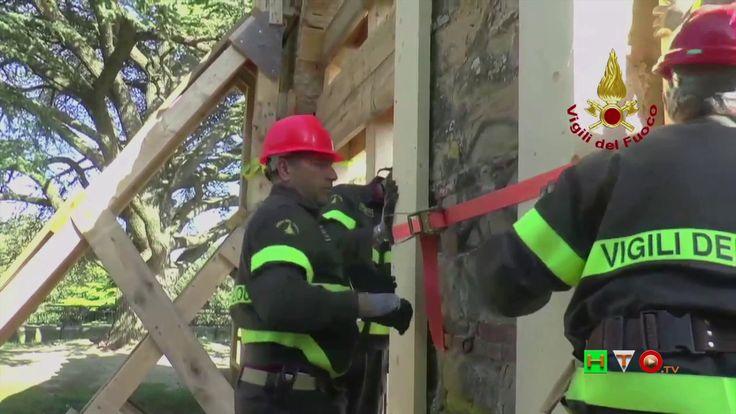 Vigili del Fuoco - Camerino - Puntellamento archi belvedere Rocca Borges...