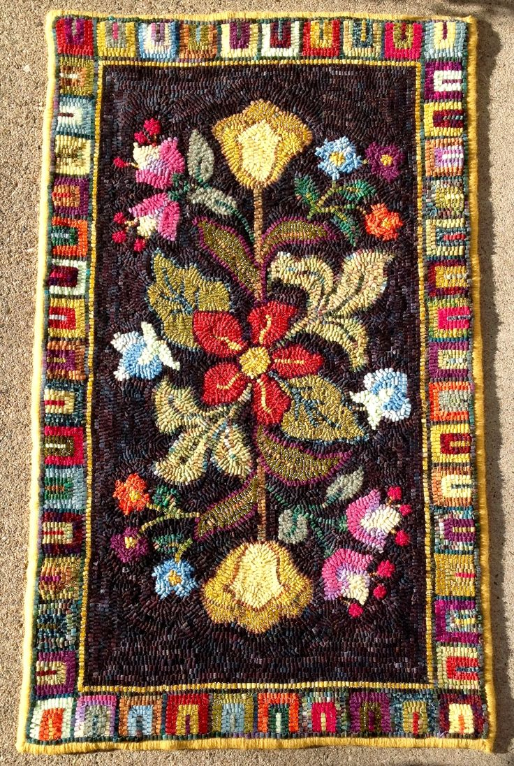 92 Best Hooked Rugs Flowers Images On Pinterest Rug