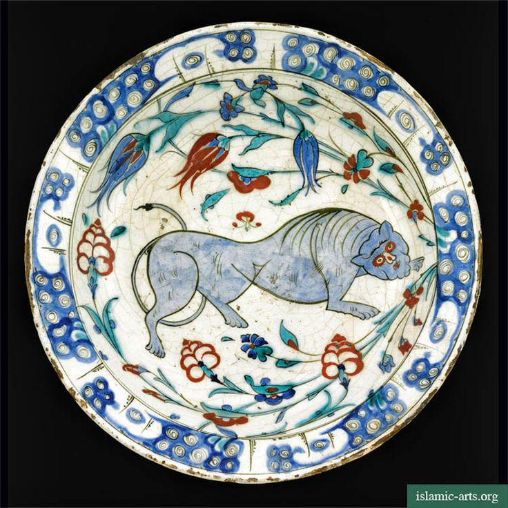 A rare Iznik pottery dish with lion design, Turkey, second half of 16th century