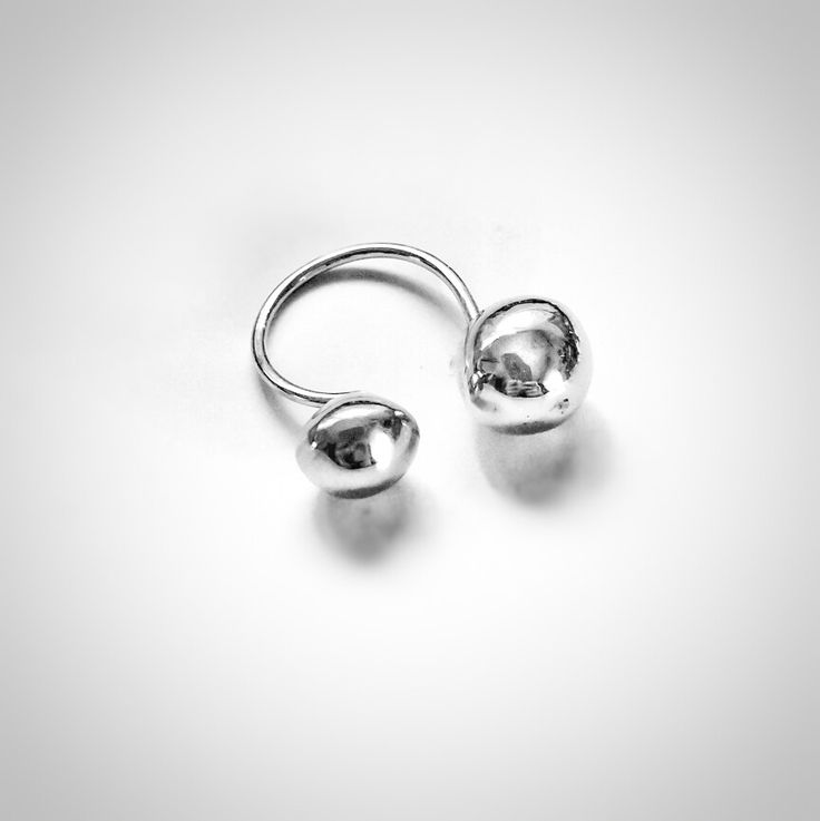 Bubble ring!!! Sterling silver! Classy and minimal!