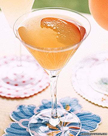Peachmopolitan cocktail with vodka, peach schnapps, peach nectar and fresh lemon juice. This would be great with our Van Gogh Cool Peach Vodka!
