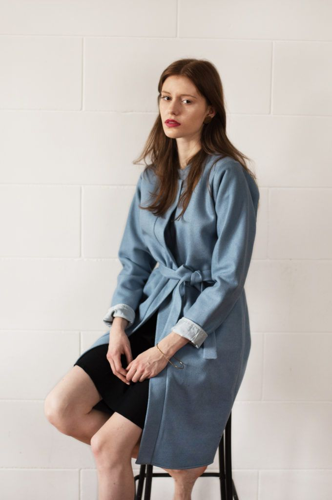 Płaszcz Rosa to zakup praktyczny i piękny jednocześnie - uszyty z wełny z dodatkiem wiskozy ogrzeje Cię wczesną wiosną i z pewnością zachwyci niejedną osobę, http://belle.lu/produkt/plaszcz-belli/