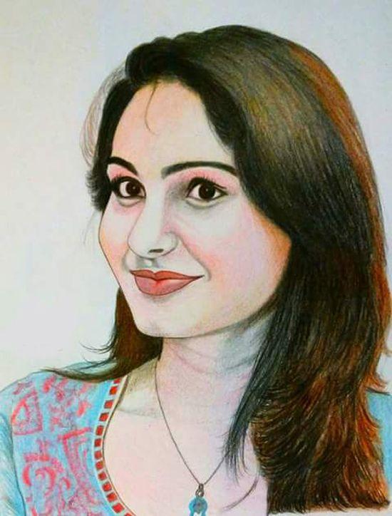 #Tamil actress #AndreaJeremiah turns 30.