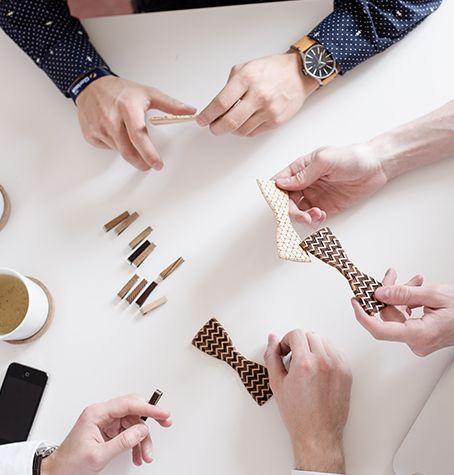 Ruční zpracování, doživotní záruka, kvalita a styl - to je BeWooden. Výrobce dřevěných módních doplňků z podhůří Beskyd. Už víte, čím zpestříte svůj outfit?