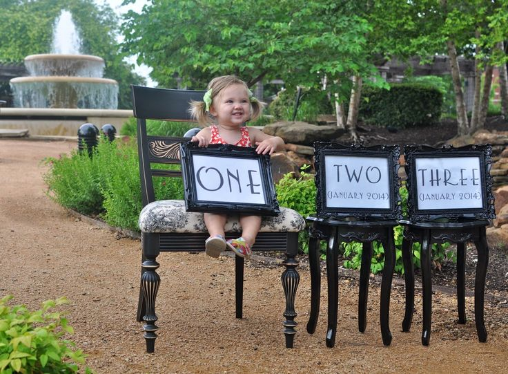 Prop ideas for twin pregnancy pictures | Displaying 18> Images For - Twin Pregnancy Announcement Ideas...