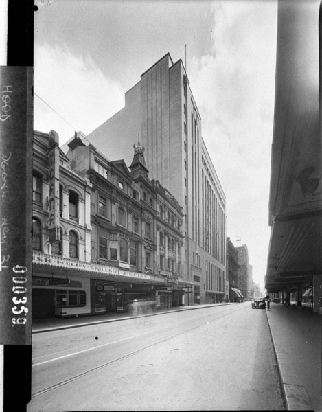 Repin's coffee bar on Pitt Street, Sydney photograph  by Sam Hood.  From the collection of the State Library of NSW http://acms.sl.nsw.gov.au/item/itemDetailPaged.aspx?itemID=12890#