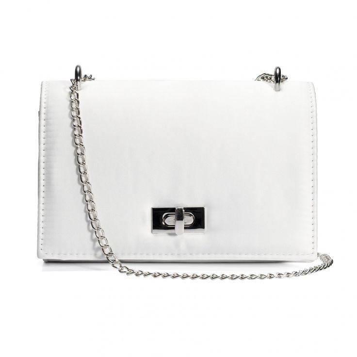 Kuvertväska i satin på Glitter.se. Vi har ett brett sortiment av väskor och andra accessoarer. Shoppa kuvertväska idag!