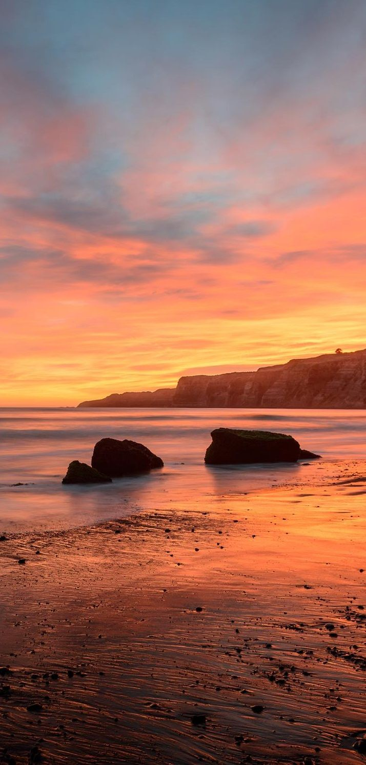 Cape Kidnappers, Hawke's Bay, New Zealand. http://www.purenzweddings.com/blog/weddings/best-time-of-year-to-marry-in-new-zealand