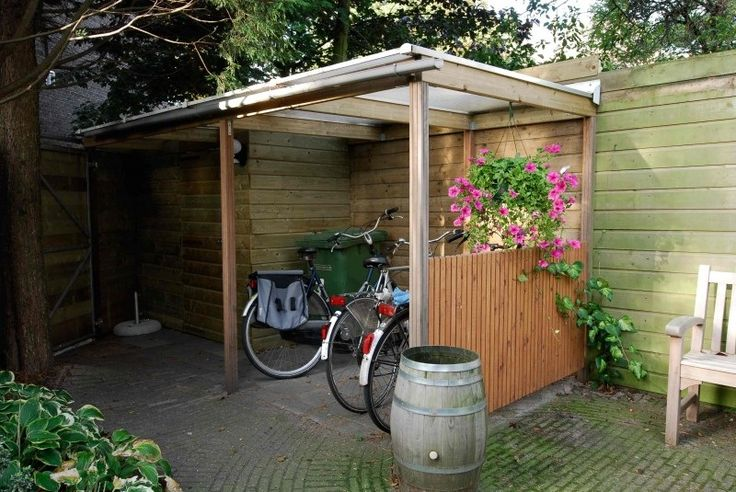 Zelf een afdak maken voor fietsen en meubels tuin borderideetjes pinterest fietsen - Huis in de tuin ...