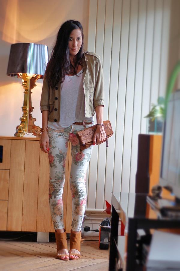 slim-fleurs-Zara-FashionBox