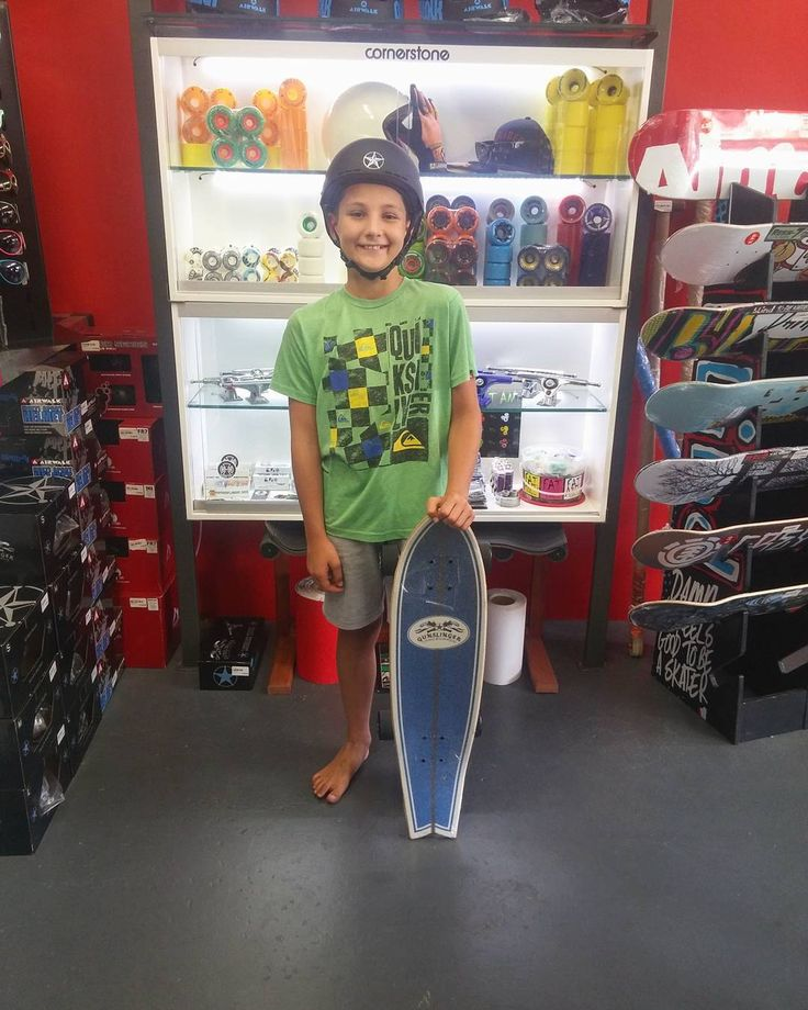 We could wish this homie a super rad #madstokemonday & welcome him to the #csskateshopfam when he came in to get the @gunslinger_sa Pocket Rocket Complete & a helmet! Enjoy it skate safe & stay stoked!   #csskateshop x #gunslingerlongboards