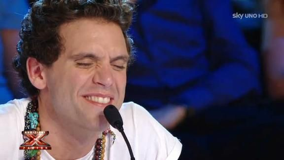 """Mika in """"Willy Willy Willy"""""""