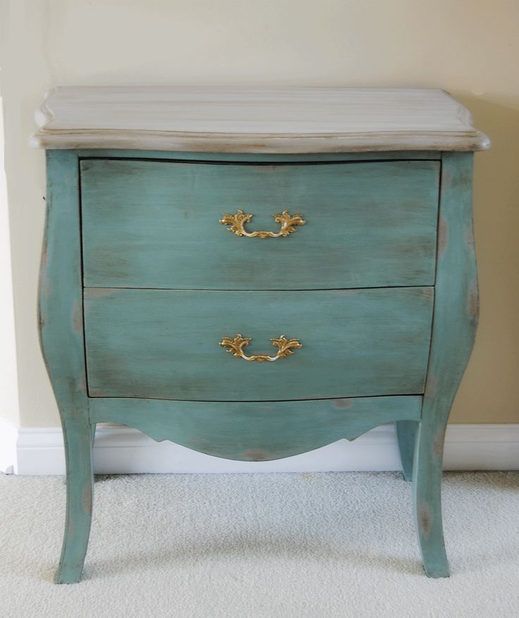 two tone chalk painted furniture | am not crazy about the original handles but I am sure I will tone ...