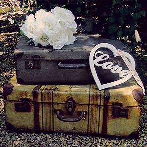 Vintage Suitcases! Love!Google Image, Decor, Antiques Stores, Vintage Suitcases, Suitcases Luggage, Vintage Wardrobe, Engagement Session, Image Results, Photos Props