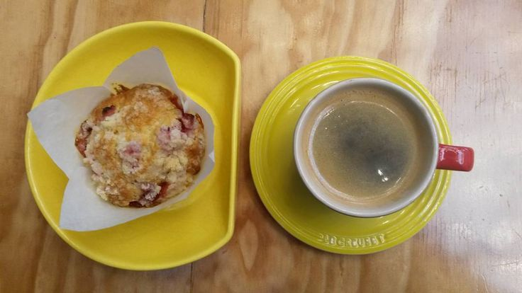 Good morning sunshine. Strawberry muffin and americano from @cookedcook.