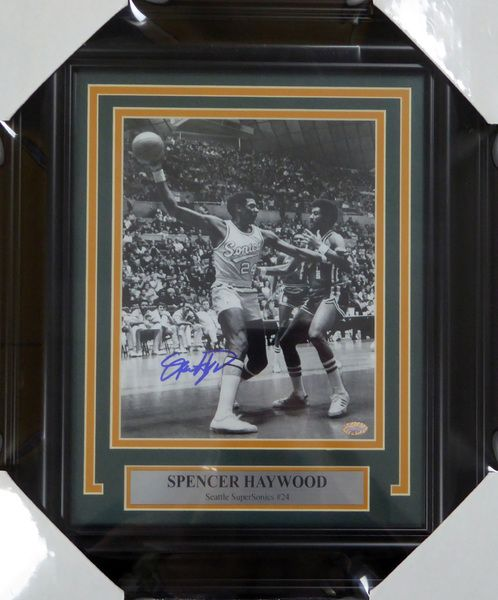 Spencer Haywood Autographed Signed Framed 8x10 Photo Seattle Sonics - MCS COA