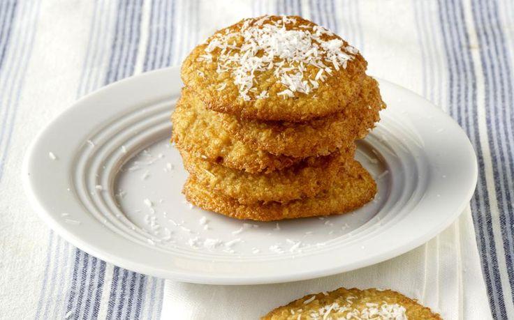 Τα αρχικά ΑNZAC σημαίνουν Australian & New Zealand Army Corps. Αν και τα μπισκότα αυτά βασίζονται σε παλιά σκωτσέζικη συνταγή για βουτήματα βρώμης, καθιερώθηκαν στη διάρκεια του Α΄ Παγκόσμιου Πολέμου.